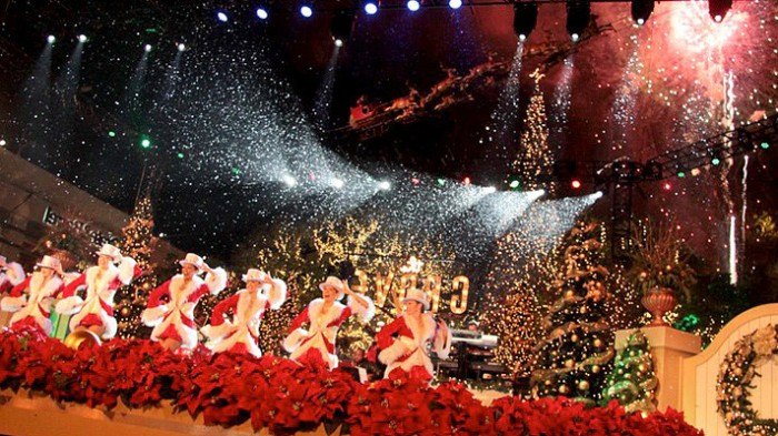 Holidays shows in Anaheim with Santa Claus 2014